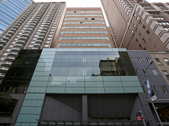 E 60th St New York NY UES Medical office space for rent 2500-5000 sf class A.