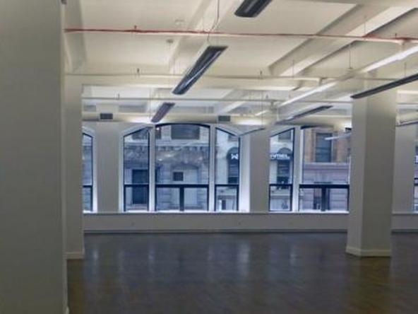 W 37th St, NY, NY, 7th Ave, Class B Office Building