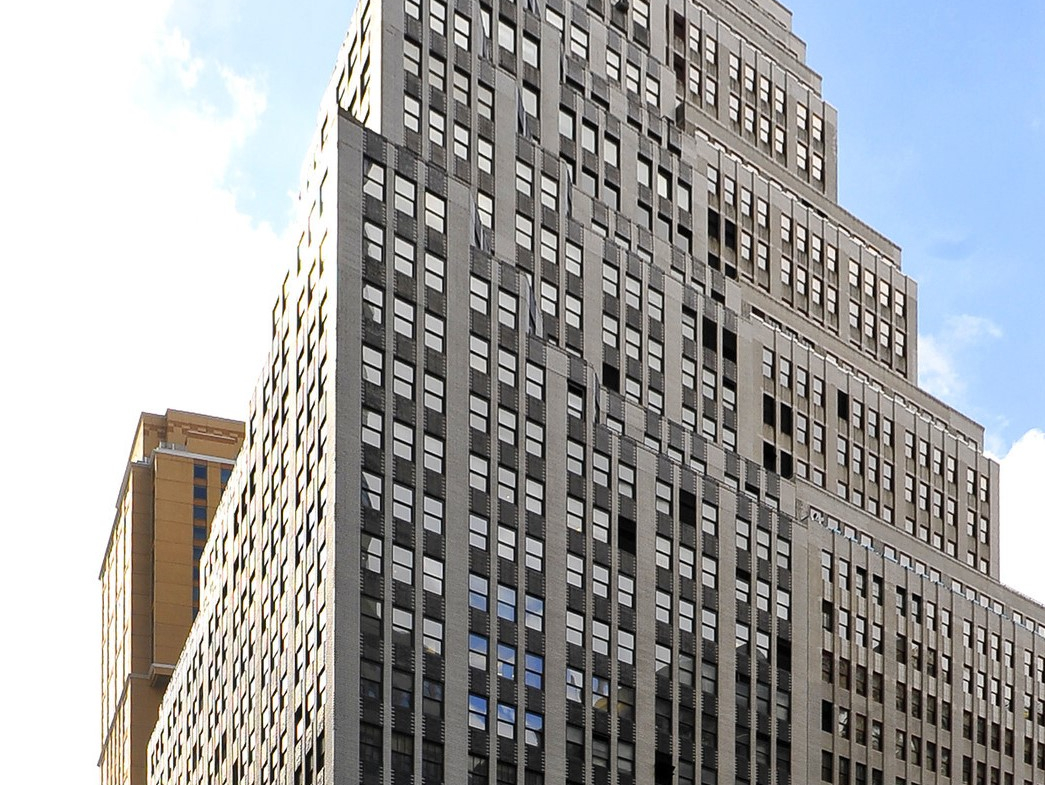 Broadway, NYC, 40s, Class A Office Building, Showrooms for lease.