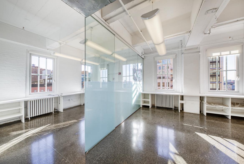 11th Ave Chelsea, Art Gallery, Showroom