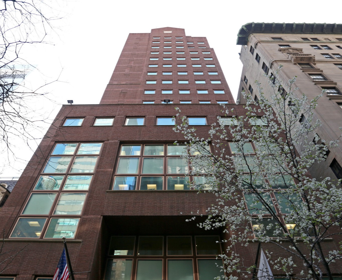 E 55th St Plaza District Medical office space for rent