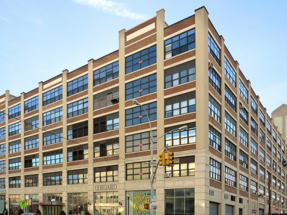 LIC Long Island City, NY, Class B Office space 10,000-35,000 sf for