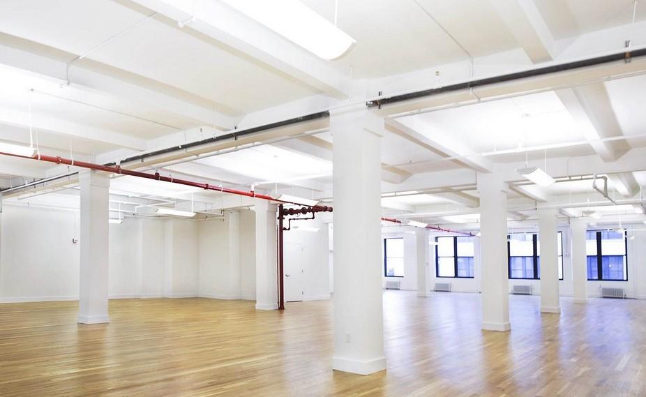 Fifth Ave, Flatiron, NY, 20s Class B Office 7,500 sf